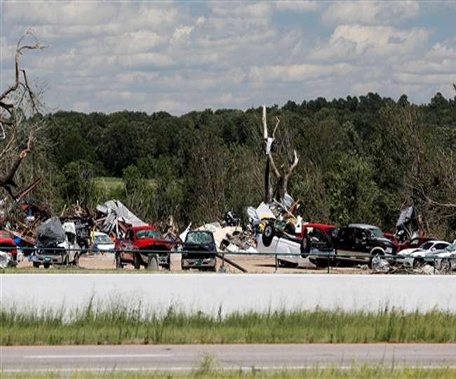 टेक्सास में भीषण चक्रवात व तूफान से छह की मौत