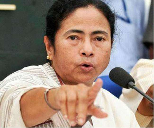 दंगाइयों से नहीं सीखनी हिंदुत्व की परिभाषाः ममता बनर्जी