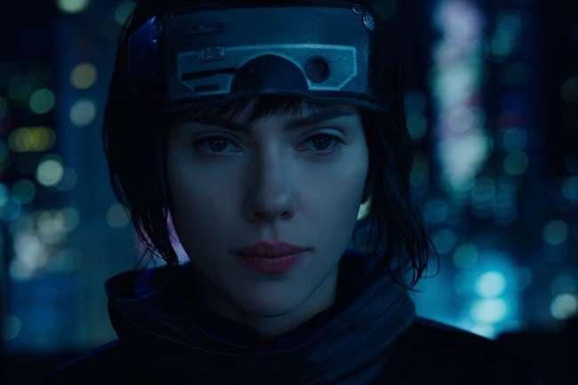 फ़िल्म रिव्यू: 'आत्मा' विहीन खोखला जिस्म 'घोस्ट इन द शेल'