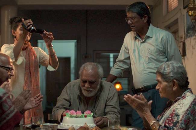 फिल्म रिव्यू: रिश्तों के भावार्थ 'मुक्ति भवन'