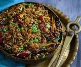 राजस्थानी केर सांगरी की चटपटी सब्जी बनाये आम के अचार के मसाले के साथ
