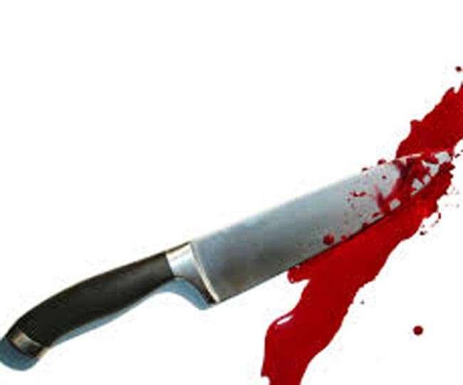 घर में पत्नी के हाथ-पांव बांधे, फिर उसके सामने पति की काट-काटकर हत्या