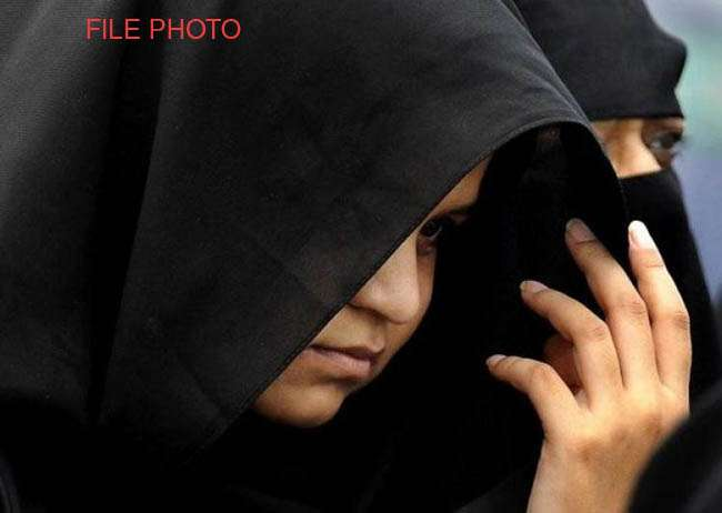 'तीन तलाक' पर कोर्ट में भिड़े बीवी-शौहर, जम कर चले लात-घूंसे