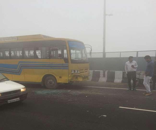 सड़क किनारे वाहन का इंतजार कर रहे 13 छात्रों को ट्रक ने कुचला, 10 की मौत
