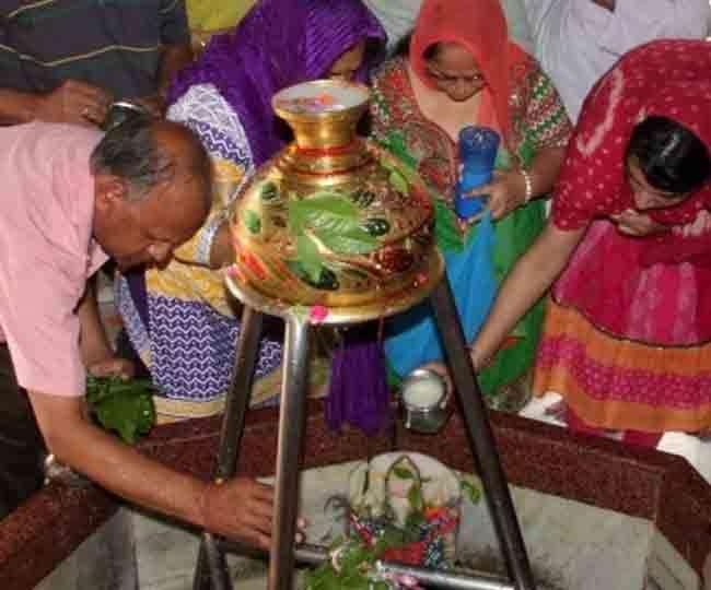 सावन में भगवान शिव को ऐसे करें प्रसन्न, भोले देंगे वरदान