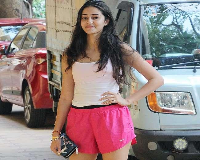 चंकी पांडे की बेटी अनन्या जल्द करेंगी बॉलीवुड में डेब्यू, देखें लेटेस्ट तस्वीरें