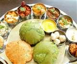नवरात्रि पर रेस्टोरेंट कुछ इस अंदाज में सर्व करते हैं व्रत का खाना