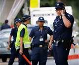 खाली बैठी सिंगापुर पुलिस ढूंढ रही है बस सीट पर टूथपिक लगाने वाले को