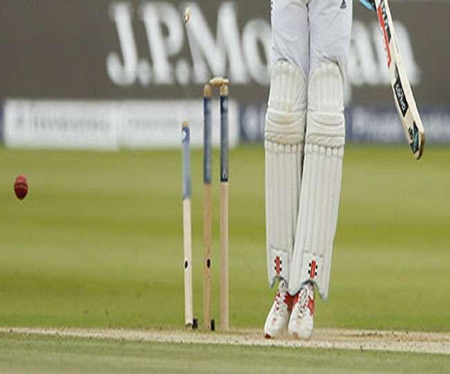 सिर्फ 10 रन देकर अकेले पूरी टीम को किया आउट, ये है क्रिकेट का सबसे लाजवाब रिकॉर्ड
