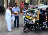 संजय दत्त का पसंदीदा ऑटो रिक्शावाला जा सकता है बिग बॉस 11 में