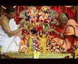 तीन दिन की होगी कृष्ण जन्माष्टमी, राशि के मुताबिक ऐसे करें कृष्ण जी को प्रसन्न