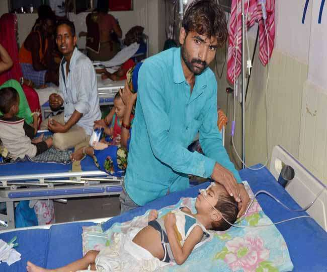 गोरखपुर मेडिकल कॉलेज हादसा: सिस्टम ने रोकीं सांसें, 63 की मौत, प्रधानाचार्य निलंबित