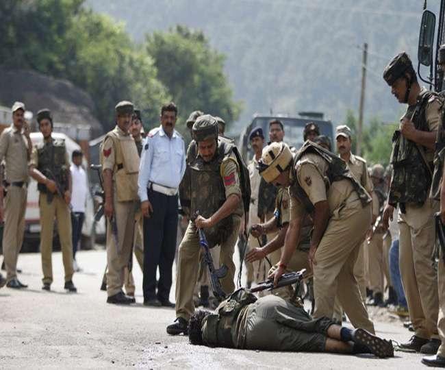 अय्याशी के चलते भी सुरक्षाबलों का निशाना बन रहे हैं जम्मू कश्मीर के आतंकी
