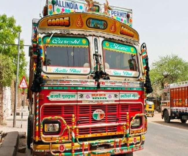 रुद्रपुर में ट्रक चालक ने एआरटीओ को कुचलने का किया प्रयास