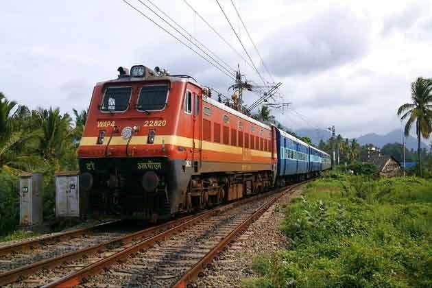 एम-आधार को भी आपका आईडी प्रूफ मानेगा इंडियन रेलवे