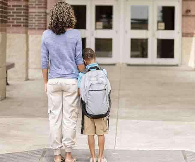 जब बच्चे करें स्कूल जाने से इंकार तो कैसे करें उन्हें तैयार
