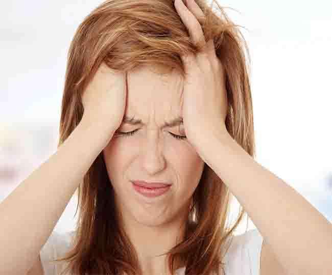 इस अनोखे तरीके से 45 सेकेंड में ही दूर हो जाएगा आपका सिरदर्द