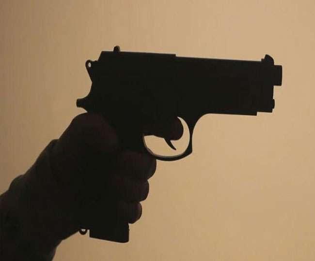 यूपी के एटा में ब्लॉक प्रमुख के बेटे को मारी गोली, गंभीर हालत में दिल्ली रेफर