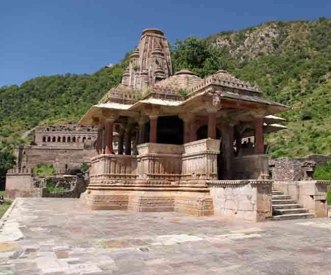 जानें इन पांच मंदिरों की डरावनी कहानियां