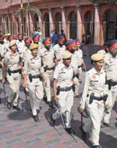 देखें तस्वीरें : पंजाब में दीपावली पर सुरक्षा पुख्ता, पुलिस ने शुरू की फुट बीट पेट्रोलिंग