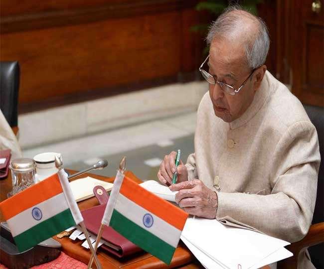 अब भारत के राष्ट्रपति, प्रधानमंत्री और मंत्री केवल हिंदी में ही देंगे भाषण