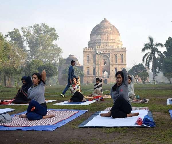 दिल्ली के इन खूबसूरत पार्कों में सुबह की सैर करने का अलग ही है मजा