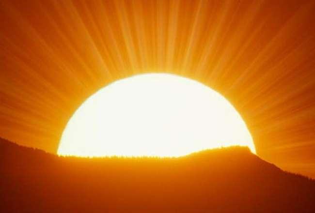 यदि मनुष्य के हाथ में कुछ होता तो वह मनचाहा जीवन जीने की प्रभुता रखता