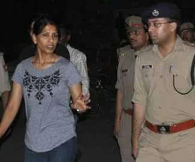 जींस-टीशर्ट पहन कानपुर की सड़कों पर आइपीएस सोनिया की 'धमाकेदार इंट्री'