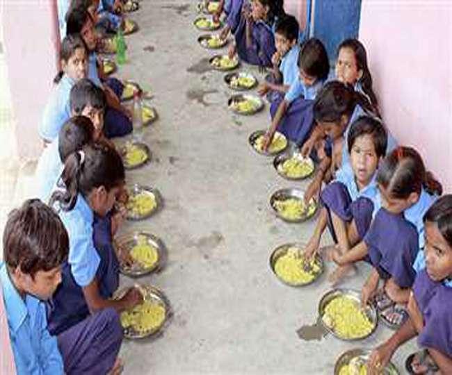 बिहार में दो लाख भूत खा रहे मध्याह्न भोजन, जानिए पूरा मामला