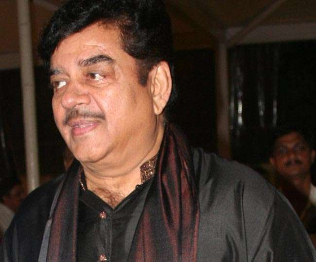 शत्रुघ्न का U टर्न, कहा- यूपी में जीत का श्रेय PM मोदी व अमित शाह को