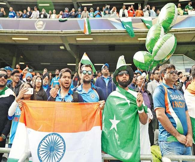 फाइनल में भारत-पाक की टीमों के अलावा दर्शकों में ऐसे हो रहा था मुकाबला