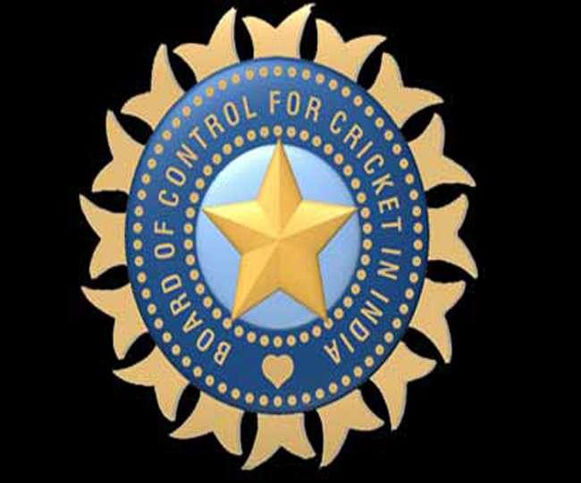 बीसीसीआइ पर उठे सवाल, टीम इंडिया क्यों करती है अंग्रेज़ों के लोगो का इस्तेमाल?