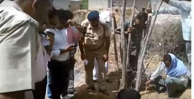 कब्र से निकाला 8 महीने पहले दफनाए बच्चे का शव
