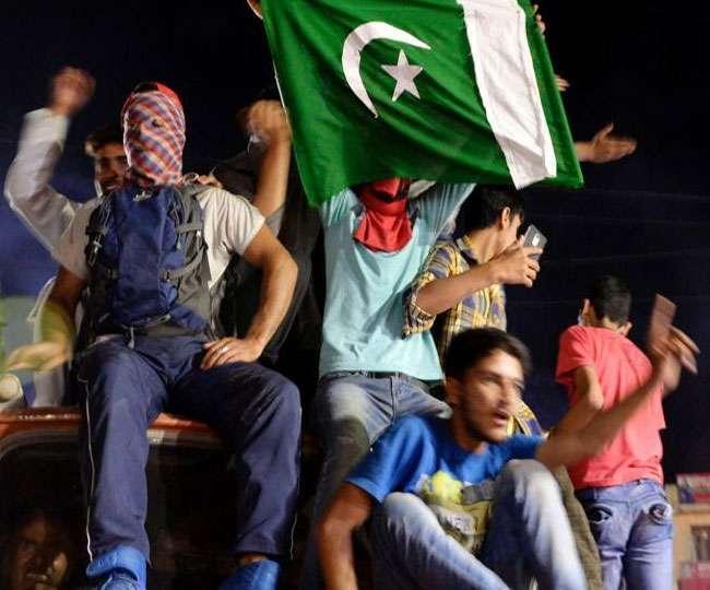 चैंपियंस ट्रॉफी जीतने के बाद पाकिस्तानी सेना ने भारत का उड़ाया मजाक