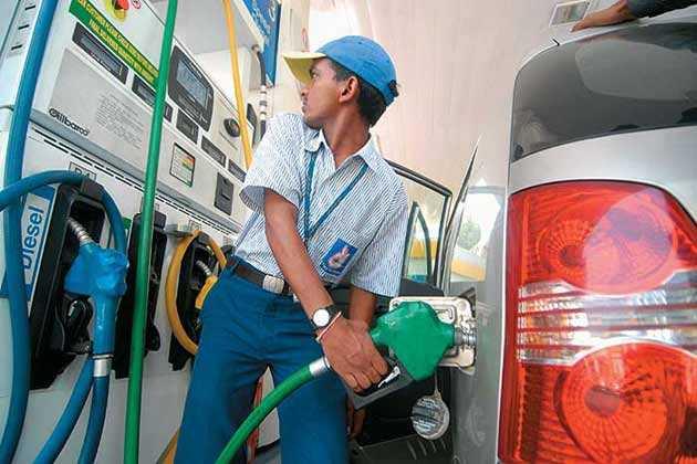 पेट्रोल पंप पर हर रोज फ्रॉड का शिकार होते हैं लोग, जानिए कैसे बचें