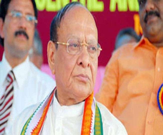 गुजरात में कांग्रेस नेता शंकर सिंह वाघेला का साथ छोड़ने लगे समर्थक