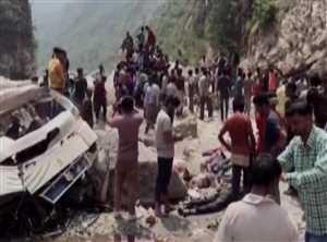 हिमाचल प्रदेश:बस नदी में गिरी 45 की मौत