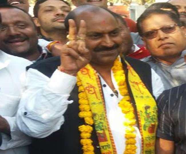 कैंपियरगंज विधायक फतेहबहादुर ने की योगी के लिए सीट छोडऩे की पेशकश