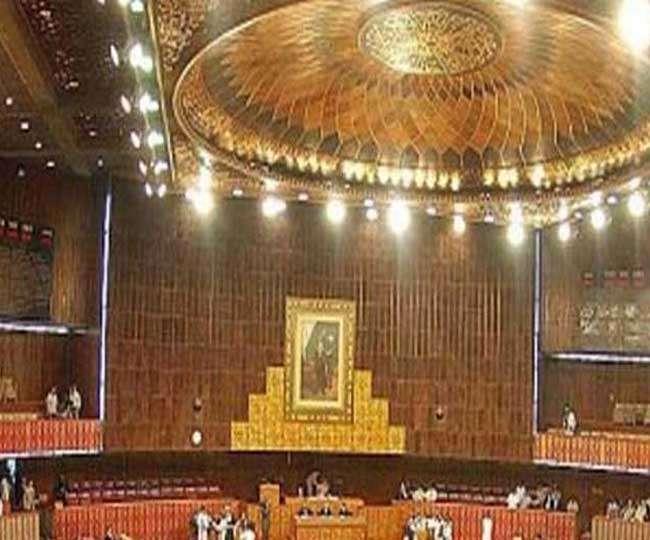 पाकिस्तान में हिंदू विवाह विधेयक बना कानून, राष्ट्रपति ने दी मंजूरी
