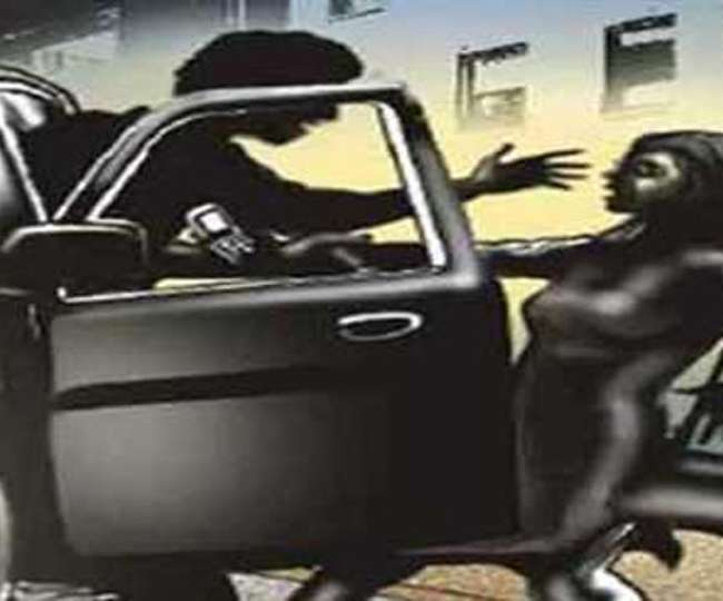 दोस्त ने युवती साथ कार में ही किया दुष्कर्म, पीड़िता ने दर्ज कराई शिकायत