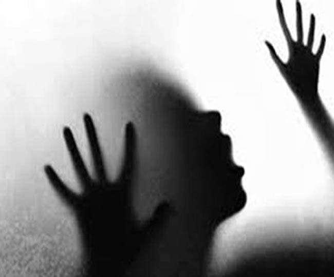 यौन उत्पीड़न की शिकार महिलाओं को तीन महीने का वैतनिक अवकाश