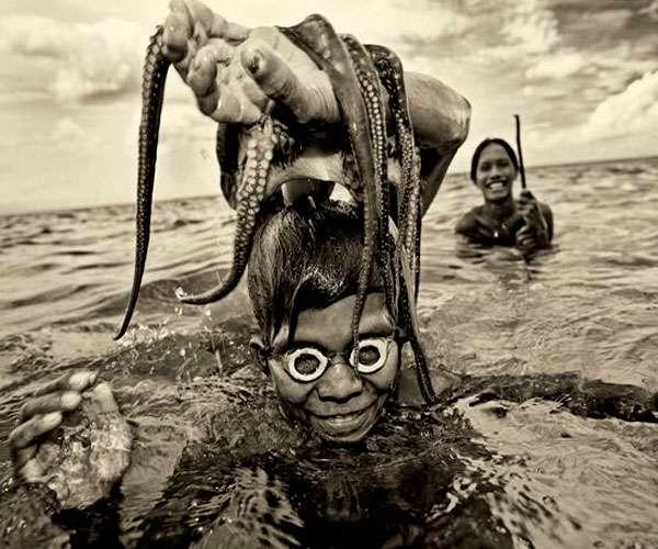 आखिर क्यों समुद्र में ही रहती है इंसानों की ये प्रजाति