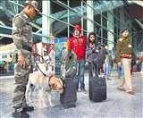 हवाई अड्डों में तैनात CISF जवान ड्यूटी पर नहीं ले जा सकेंगे मोबाइल