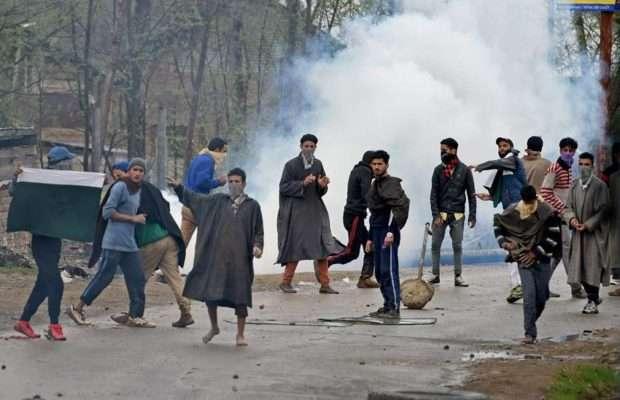 कश्मीर हिंसा पर सरकार पर दबाव बनाने के लिए कांग्रेस ने कसी कमर