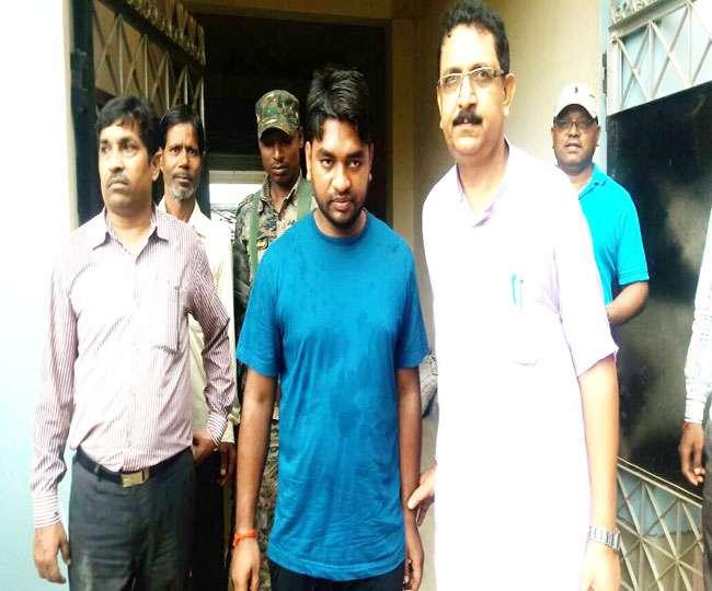 डॉक्टर, इंजीनियर, पेशकार व बिजलीकर्मी घूस लेते गिरफ्तार