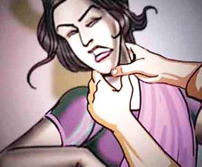 घर में घुस कर महिला की हत्या, विरोध करने पर पति को पीटा