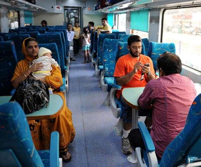 नवरात्र में जाना है विंध्याचल तो न हों परेशान, ये ट्रेनें हैं ना