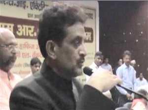 यूपी के सूचना आयुक्त ने मंच पर लगाए 'जय श्रीराम' के नारे
