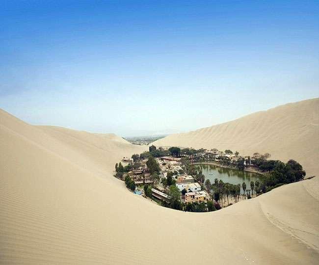 चारों तरफ बेजान मरुस्थल और बीचों-बीच बसा है सपने की दुनिया जैसा ये गांव