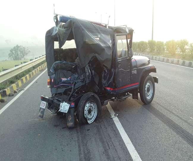 अलीगढ़ में ट्रक ने पुलिस जीप को रौंदा, सिपाही की मौत